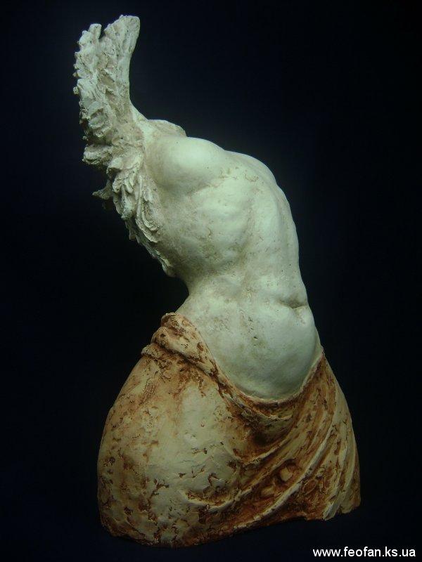 Эос. Искусственный камень. Н-60 см. 2001 г.